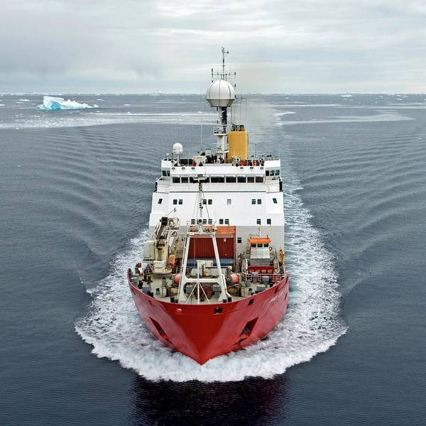 Rr Photograph - Antarctic Research Ship by British Antarctic Survey/science Photo Library