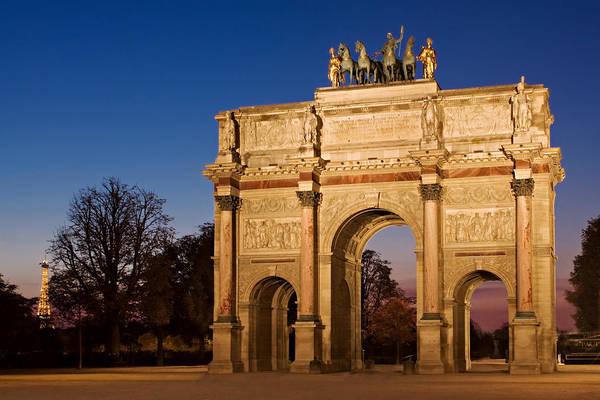 Photograph - Arc De Triomphe Du Carrousel / Paris by Barry O Carroll