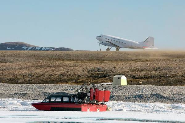 Airboat Photograph - Arctic Transport by Louise Murray/science Photo Library