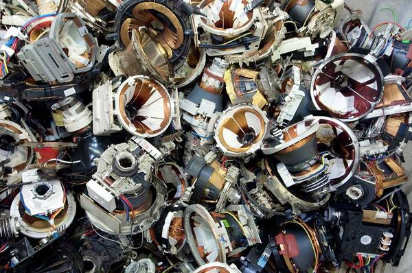 Wall Art - Photograph - Cathode Ray Tube Recycling by Louise Murray/science Photo Library