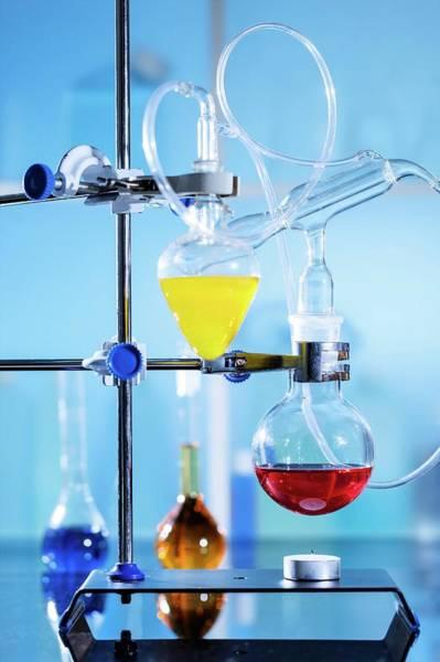 Heath Photograph - Chemistry Experiment by Wladimir Bulgar/science Photo Library