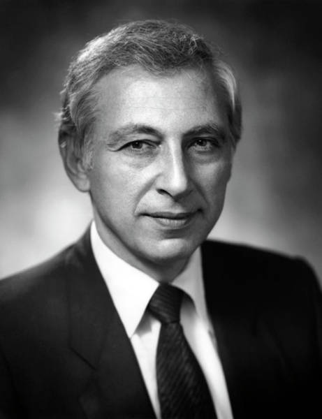 Researcher Wall Art - Photograph - Dr. Robert Gallo by National Cancer Institute