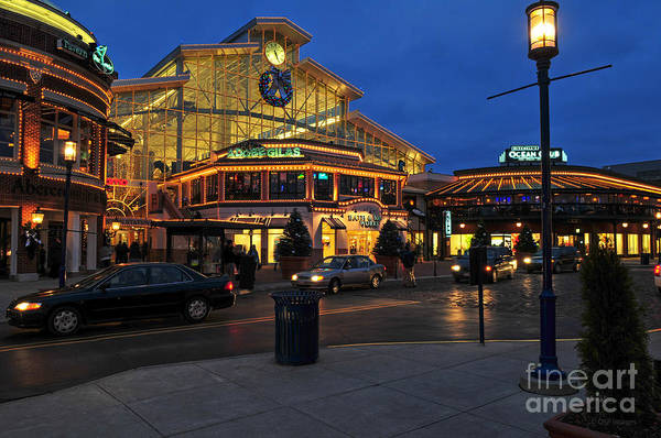 D65l-120 Easton Town Center Photo Art Print
