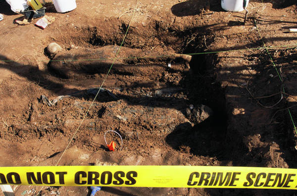 Burried Photograph - Forensic Anthropology Training by Peter Menzel/science Photo Library