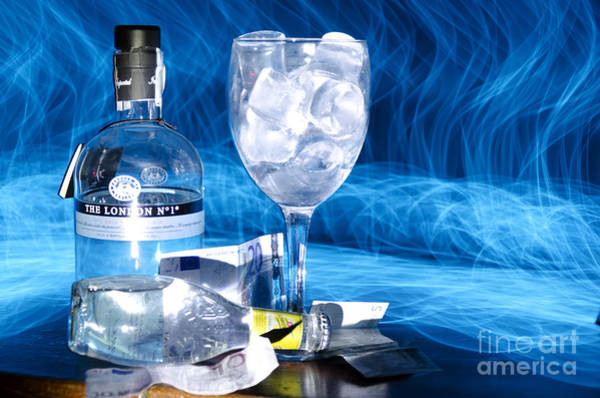Niebla Wall Art - Photograph - Gin Tonic by Agus Aldalur