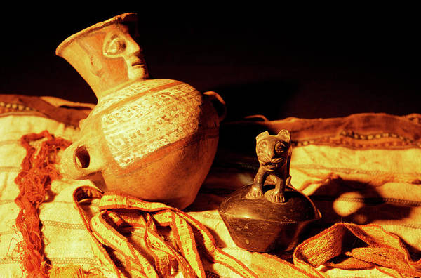 Clay Pot Photograph - Inca Mummy Grave Goods by Pasquale Sorrentino/science Photo Library