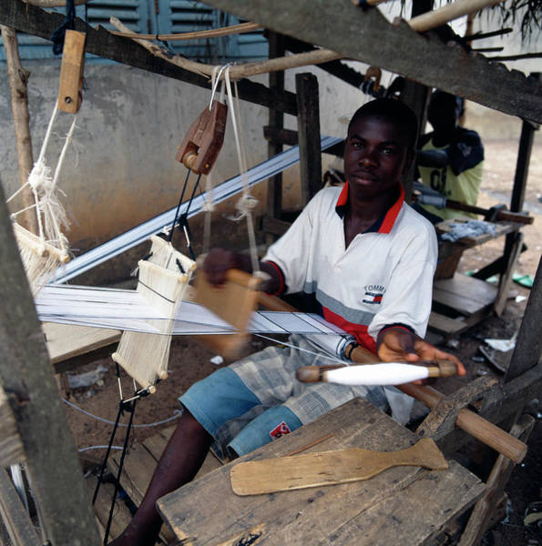 Ghana Wall Art - Photograph - Kente Cloth Weaving by Mark De Fraeye/science Photo Library
