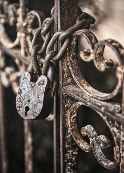 Rusty Chain Photograph - Keyless by Caitlyn  Grasso