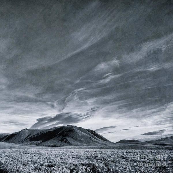 Kanada Wall Art - Photograph - Land Shapes 19 by Priska Wettstein