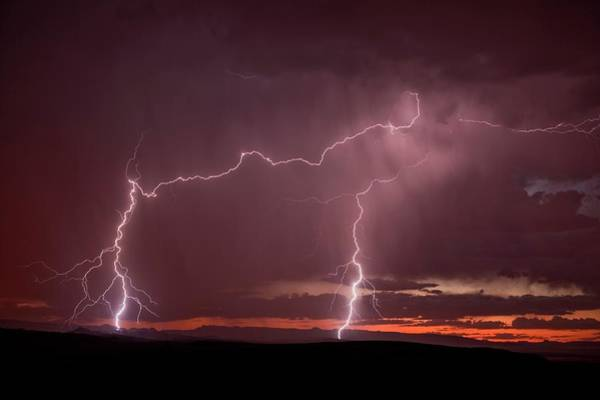 Wall Art - Photograph - Lightning by Roger Hill/science Photo Library