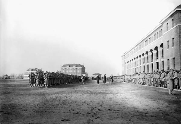 Call Building Photograph - Marines Departing, 1913 by Granger