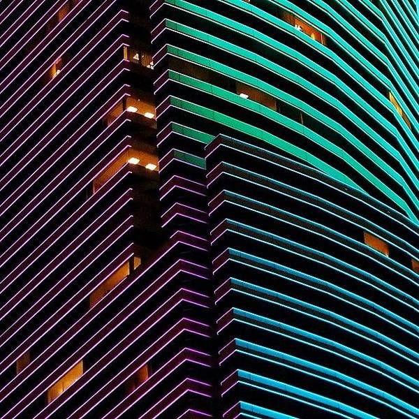 Iger Wall Art - Photograph - Miami Tower - Miami ( 1986 ) by Joel Lopez