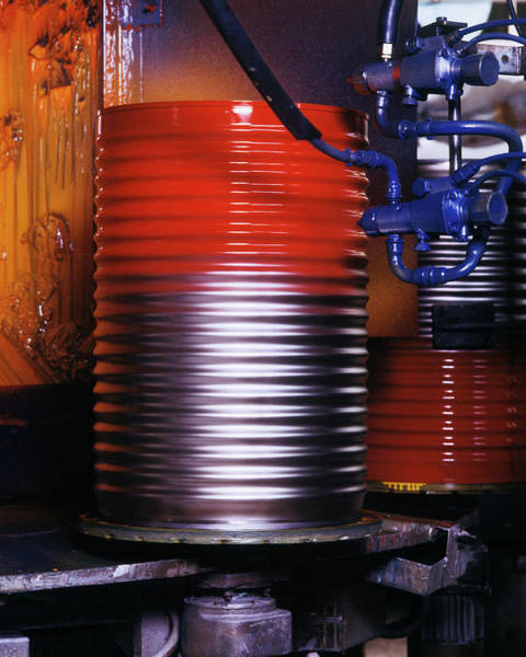 Spray Paint Photograph - Oil Drum Production Line by Ton Kinsbergen/science Photo Library