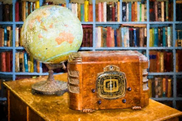 Photograph - Old Globe And Radio by Les Palenik