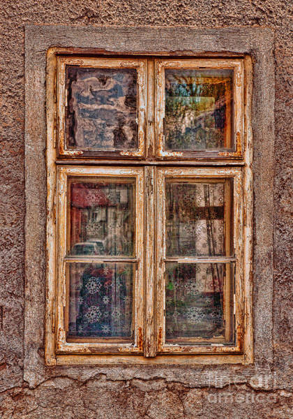 Photograph - Old Window by Les Palenik