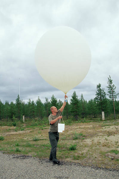 Ozone Layer Photograph - Ozone Layer Research by David Hay Jones/science Photo Library