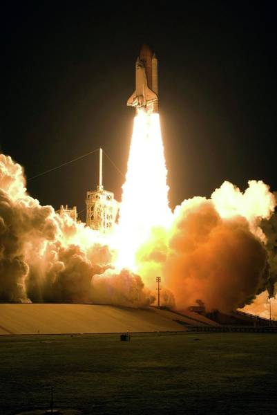 Endeavour Photograph - Space Shuttle Endeavour Launching by Nasa/science Photo Library