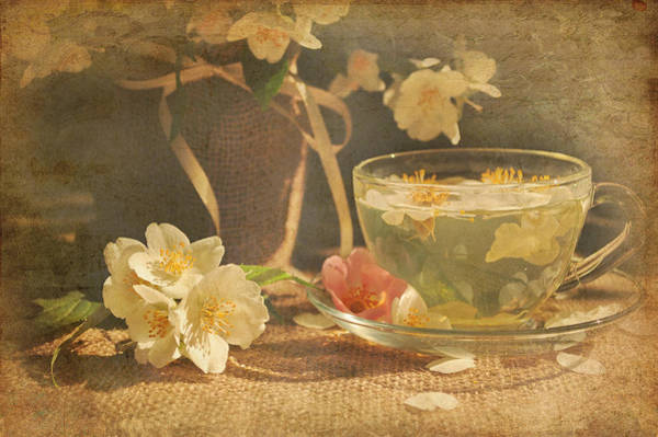 Jasmine Tea Photograph - Still Life by Iryna Tuyakhova