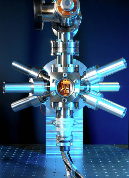 Wall Art - Photograph - Strontium Optical Clock by Andrew Brookes, National Physical Laboratory/science Photo Library