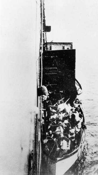 Wall Art - Photograph - Titanic Lifeboat, 1912 by Granger
