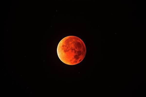 Totality Photograph - Total Lunar Eclipse by Juan Carlos Casado (starryearth.com)