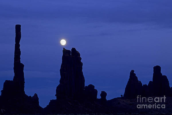Photograph - Totem Pole Yei Bi Chei Moonrise by Fred Stearns