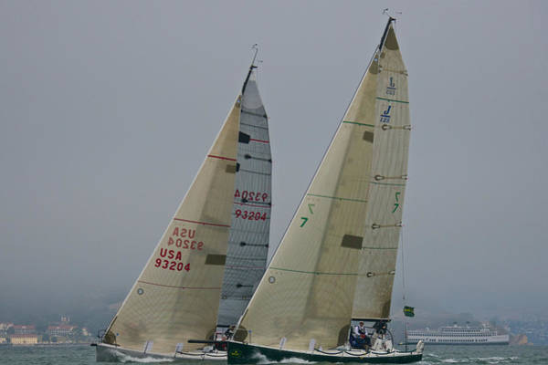 Photograph - Upwind On The Bay by Steven Lapkin