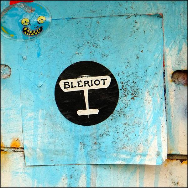 Bleriot Photograph - Urban Graffiti by Paul Salmon