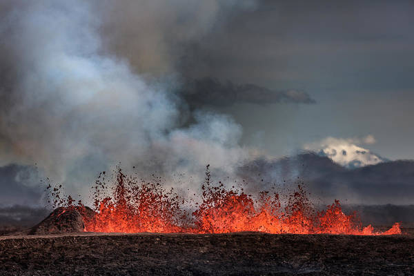 Fissure Photograph - Volcano Eruption At The Holuhraun by Panoramic Images
