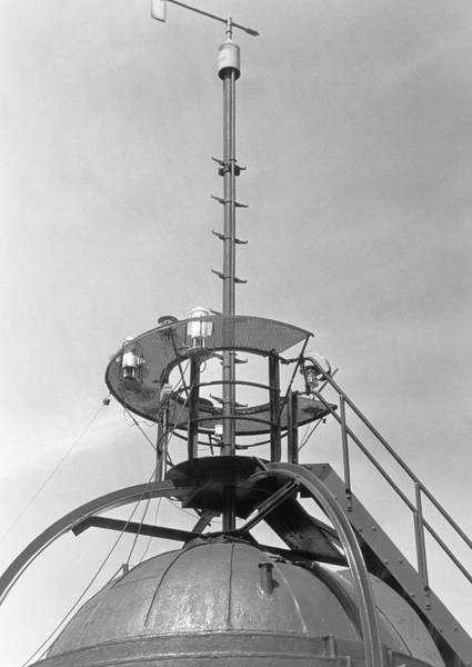 The Weather Photograph - Weather Instruments by British Crown Copyright, The Met Office / Science Photo Library
