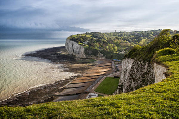 Bay Of Green Bay Wall Art - Photograph - White Cliffs Of Dover  by Ian Hufton