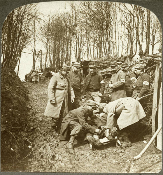 Wall Art - Photograph - Wwi Somme, 1916 by Granger