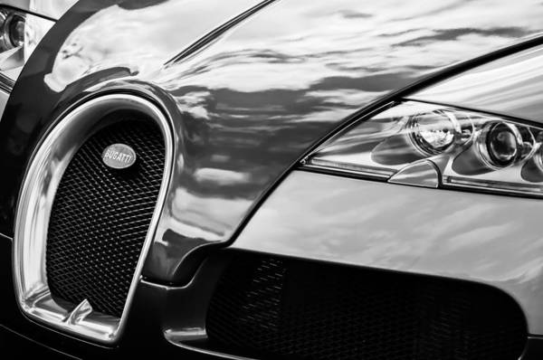 Grilles Photograph - 2008 Bugatti Veyron Grille Emblem -0621bw by Jill Reger