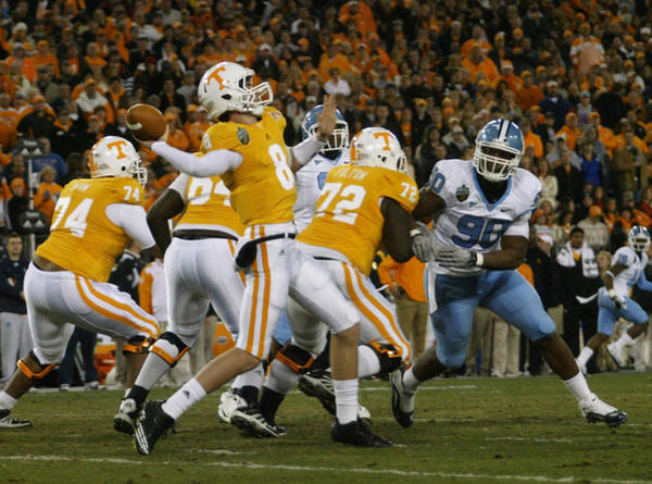 Wall Art - Photograph - 2010 Music City Bowl by Don Olea