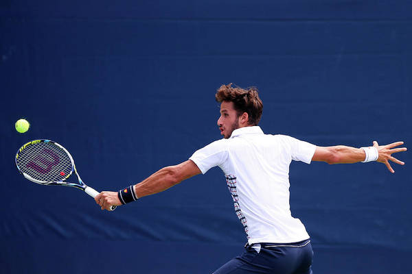 Open Photograph - 2015 U.s. Open - Day 1 by Elsa