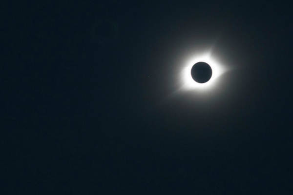 Totality Photograph - 2017 Total Solar Eclipse by Jim West/science Photo Library
