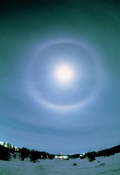 22 Degree Halo Wall Art - Photograph - 22-degree Halo Around The Moon by Pekka Parviainen/science Photo Library
