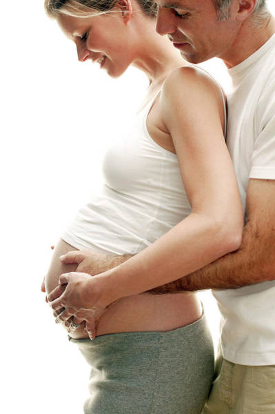 Wall Art - Photograph - Expectant Parents by Ian Hooton/science Photo Library