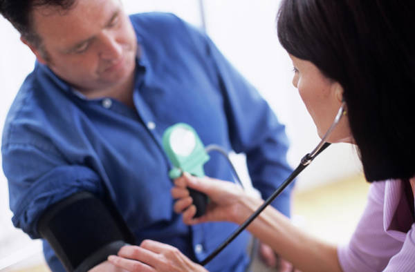 Wall Art - Photograph - Blood Pressure Measurement by Ian Hooton/science Photo Library