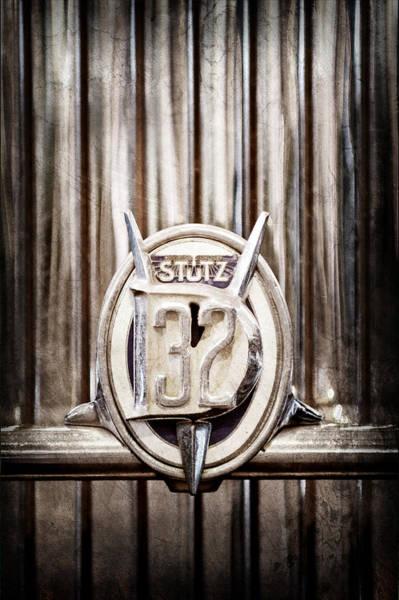 Photograph - 1933 Stutz Dv-32 Five Passenger Sedan Emblem by Jill Reger