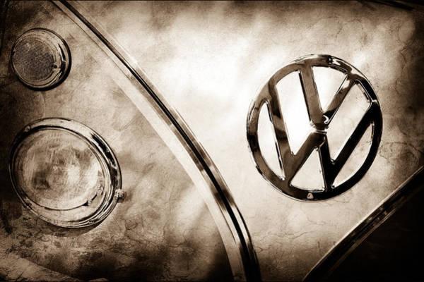 Transporter Wall Art - Photograph - 1961 Volkswagen Vw Transporter Emblem by Jill Reger