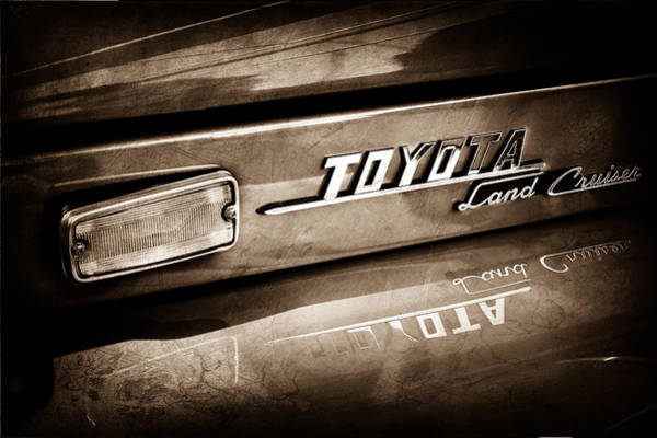 Cruiser Wall Art - Photograph - 1970 Toyota Land Cruiser Fj40 Hardtop Emblem -0700s by Jill Reger
