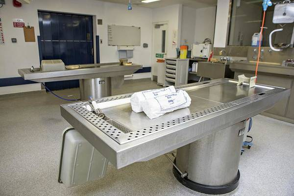Morgue Photograph - Autopsy Room by Lewis Houghton/science Photo Library