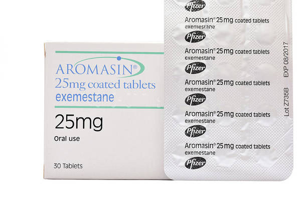 Branding Photograph - Exemestane Breast Cancer Drug by Dr P. Marazzi/science Photo Library