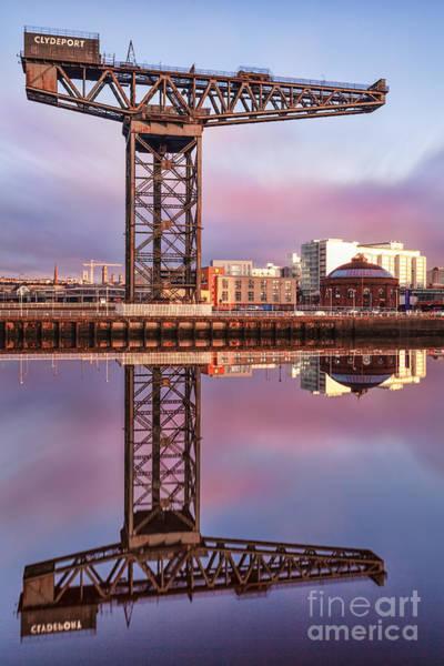 The Crane Photograph - Finnieston Crane Glasgow by John Farnan