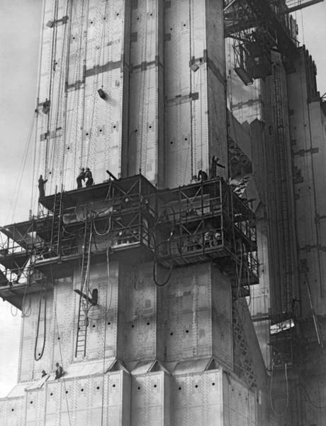 Wall Art - Photograph - Ggb Tower Under Construction by Underwood Archives