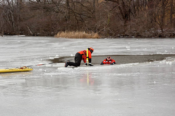 Detroit Lake Wall Art - Photograph - Ice Rescue Demonstration by Jim West/science Photo Library