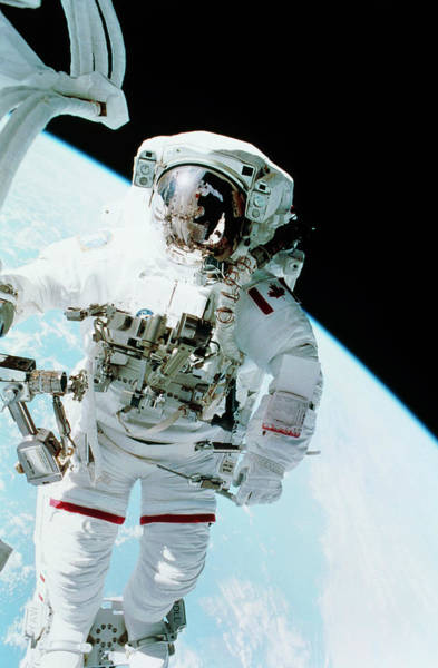 Endeavour Photograph - Iss Space Walk by Nasa/science Photo Library
