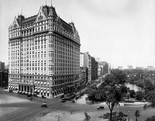 Wall Art - Photograph - Nyc Plaza Hotel, C1910 by Granger