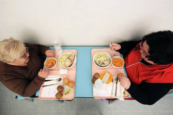 Wall Art - Photograph - Obesity Clinic by Mauro Fermariello/science Photo Library